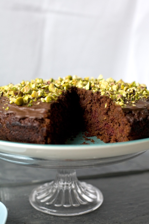 vegan-beetroot-cake